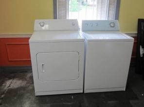 Whirlpool Washer/Dryer like new